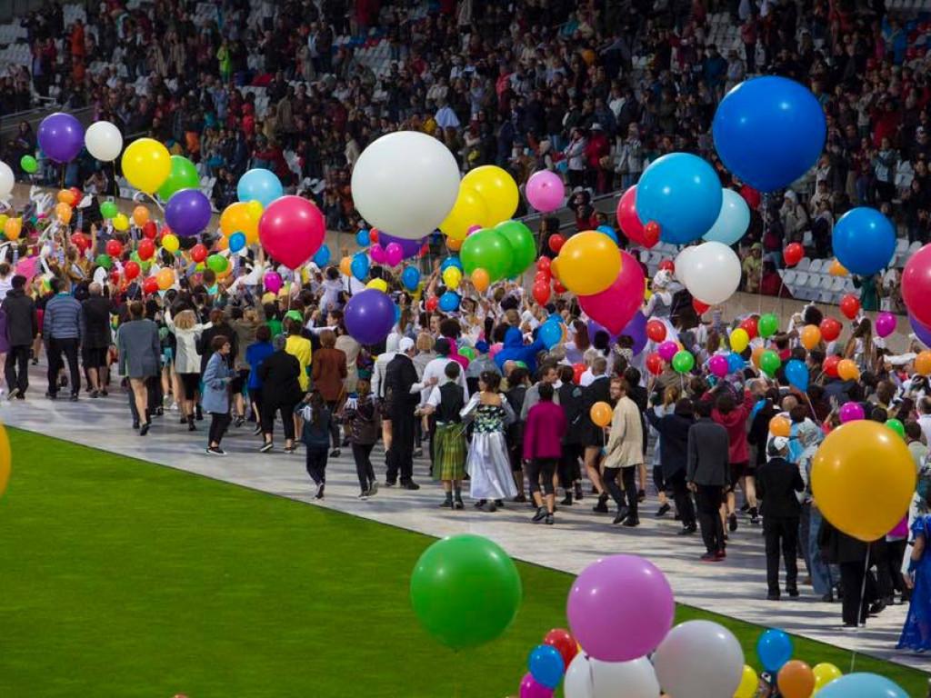 Défilé de la biennale : Ensemble malgré la pluie !