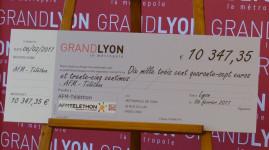 Tri du papier : un chèque de 10 000 euros pour le Téléthon