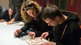 Un parcours tactile pour les malvoyants au musée Lugdunum