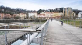 Entre Caluire et Lyon, la passerelle de la paix a rouvert