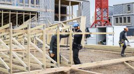 Du bois pour construire le nouveau collège de Saint-Priest
