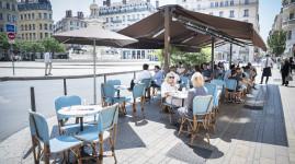 C'est le 2 juin, les cafés et restaurants sont ouverts !