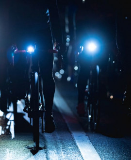 Cyclistes : la nuit, roulez bien éclairés !
