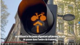 Première en France : des feux cyclistes clignotants cours Charlemagne