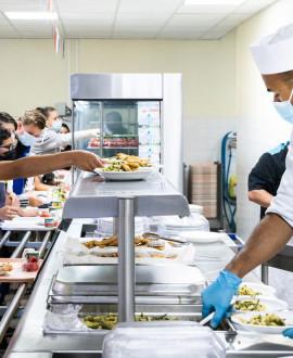 Collèges : bien manger et réduire le gaspillage à la cantine
