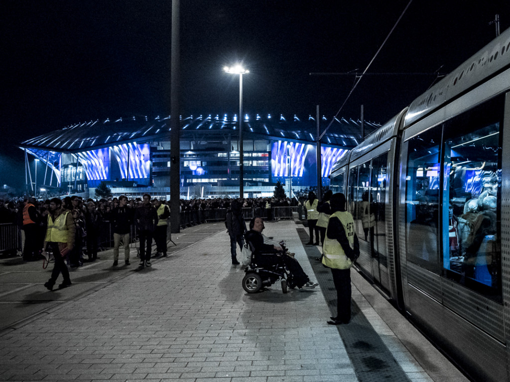 Premier match au Grand Stade