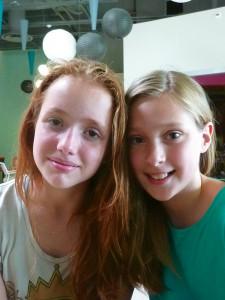 Mila Le Corre et Louise Thonnerieux, élèves de 6e, 12 ans, collège Clément Marot, Lyon 4e.